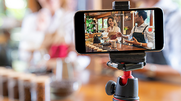 8 Steps to Promote Your Restaurant on Social Media